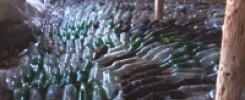 Фундамент из стеклянных бутылок. 10 фото идей неожиданного применения!