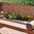 10 идей скамейки из бревна со спинкой. Фото обзор