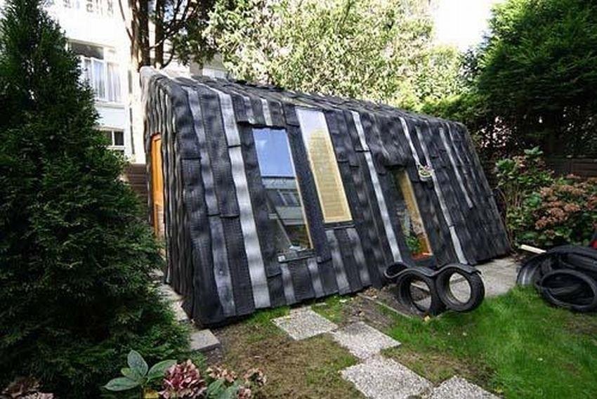 дом из покрышек фото собеседник