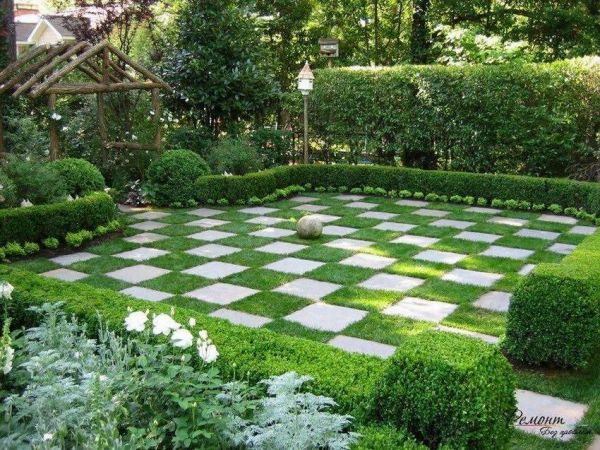 ТОП 10 идей оформление газона перед домом. Лучшие фото